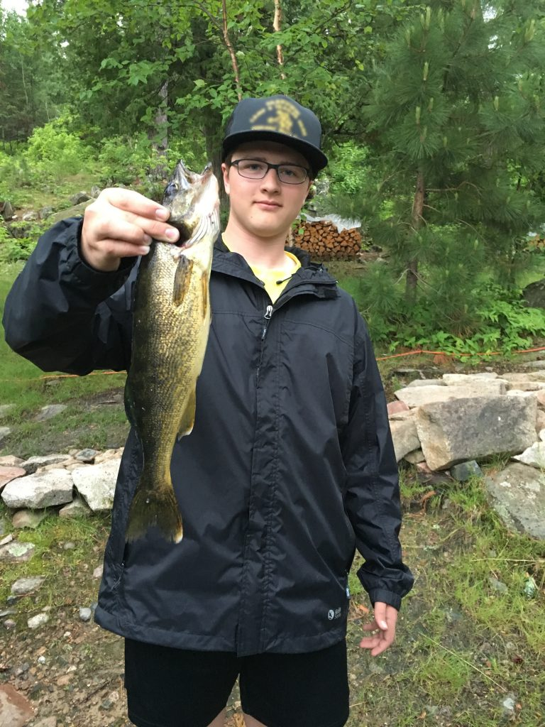 Adam_Wold_17.5''walleye